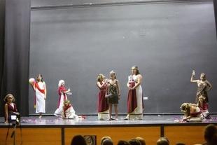 Los talleres Ceres del Festival de Mérida llevan la cultura y el teatro grecolatinos a Monesterio