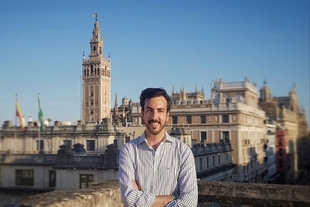 José Tomás Pérez Indiano será el encargado de realizar el cartel anunciador de la venida de la Virgen de los Remedios a Fregenal de la Sierra