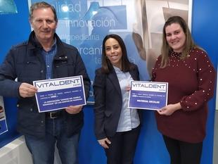 Raquel Gordillo Macarro ganadora del concurso del sorteo de material escolar de Vitaldent Zafra