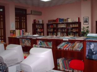 Fuentes de León reabre la biblioteca, el cementerio y las instalaciones deportivas exteriores