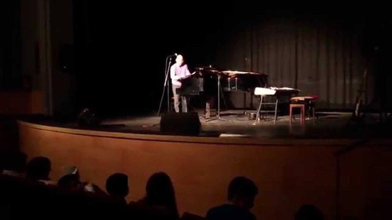 Escuela Música de Fregenal busca profesores de piano y guitarra
