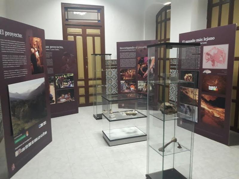 El laboratorio ''Cuevas Fuentes de León'' abre sus puertas al público