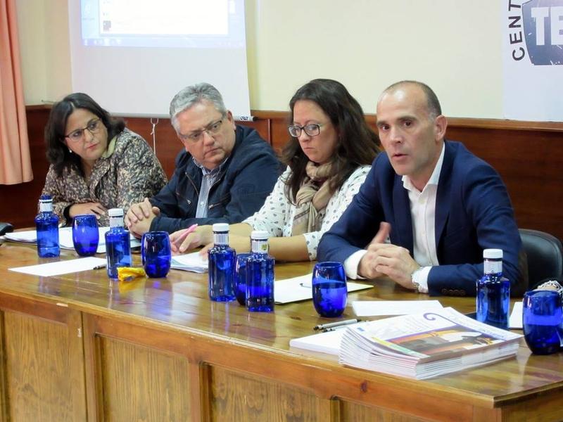 Manuel Mejías Tapia, realizó un encuentro de trabajo con CEDECO Tentudía