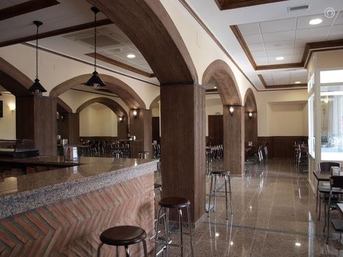 Los bares de la comarca podrán abrir dos horas más hasta el 8 de enero