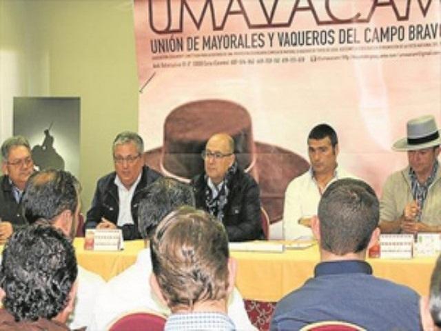Los mayorales extremeños reivindican un régimen de la Seguridad Social propio en Monesterio