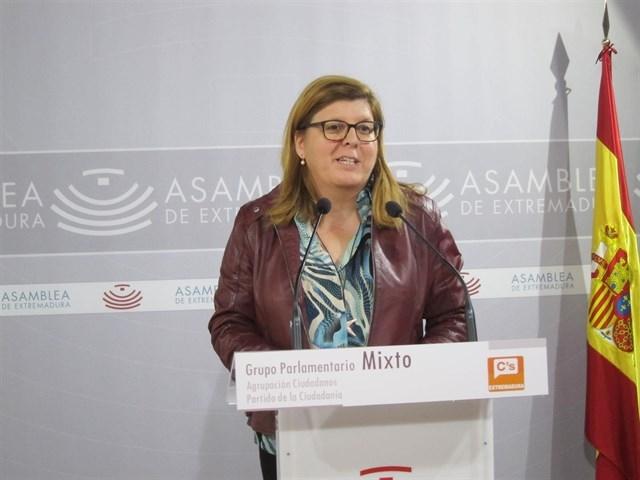 """Victoria Domínguez: """"Es inadmisible que después de año y medio el Gobierno demore la solución a la mina de Aguablanca"""""""
