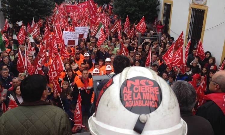 Los mineros de Aguablanca inician una recogida de firmas para exigir una ''resolución urgente'' sobre la DIA
