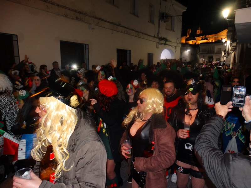 Vibrantes dos días de Carnaval en Segura de León (fotogalería)