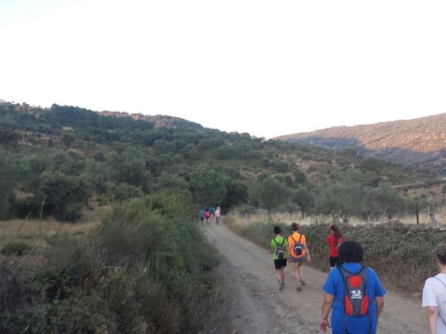 Ruta de senderismo en Cabeza la Vaca en beneficio de la Asociación Española contra el Cáncer
