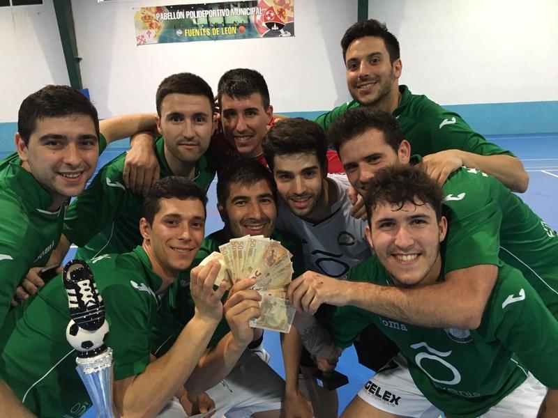 ''Vinilos a la Carta'' de Jerez, campeón de la IV Maratón de Fuentes de León