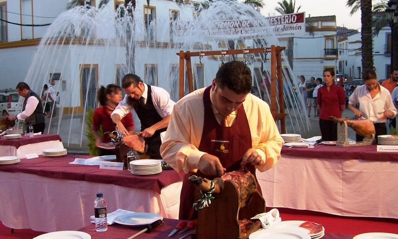Monesterio celebrará el ''XIX Concurso de Cortadores de Jamón'' en el mes agosto