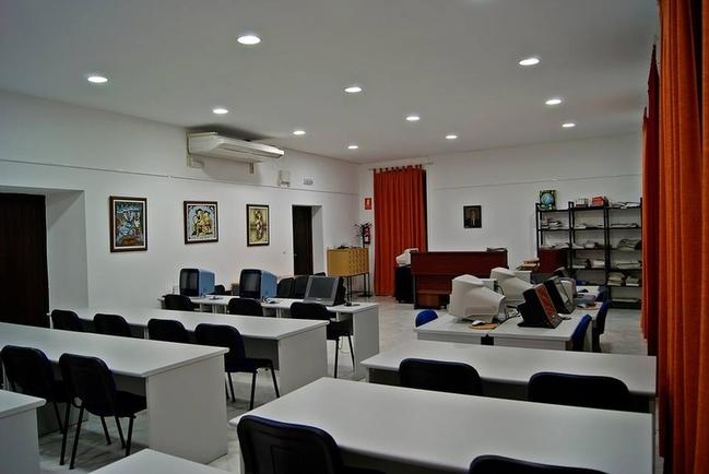 Junta y Diputación aportan 8.158 euros para mejoras en las bibliotecas de la Comarca