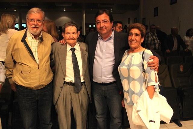 Manuel Olivera, exalcalde de Bienvenida, fue homenajeado por el PSOE provincial de Badajoz