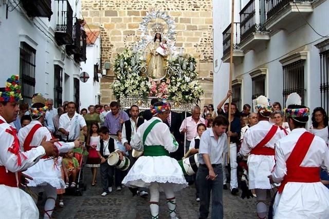 La Danza y Fiesta de la Virgen de la Salud de Fregenal, declarada Bien de Interés Cultural
