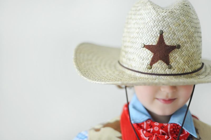 La UCE recuerda que los cordones en la zona del cuello en disfraces para menores de 7 años están prohibidos