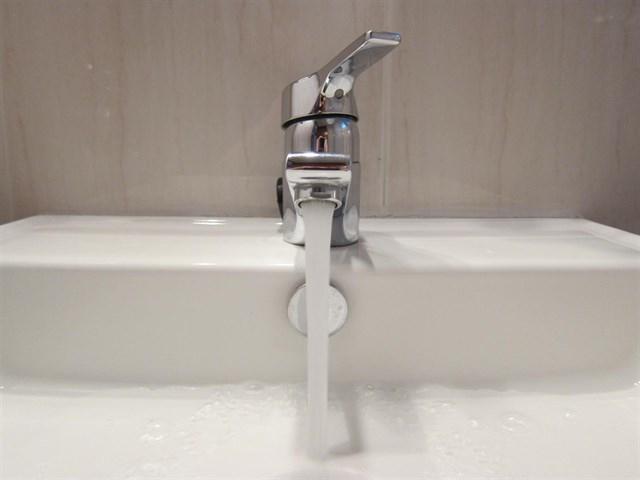 La Unión de Consumidores pide a los Ayuntamientos la creación de una tarifa social del agua