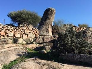 Solicitan que los Menhires del Ardila, situados entre Fregenal y Valencia del Ventoso, sean declarados como Bien de Interés Cultural