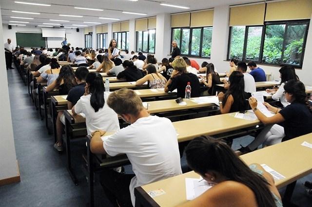Miles de alumnos extremeños tendrán que repetir la EBAU(selectividad) por una posible filtración de exámenes