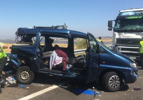 El accidente entre un camión y un turismo en Fuente de Cantos se salda con 9 heridos de diversa consideración