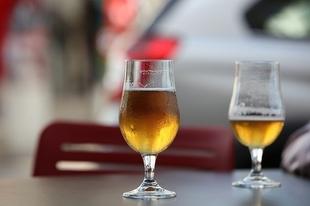 Los extremeños identifican su verano ideal con cerveza, tapas y playa