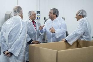 Fernández Vara presente en la inauguración de la ampliación de la Fábrica de Lonchiber en Higuera la Real