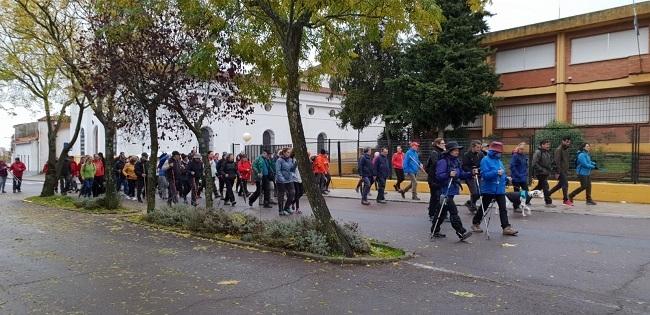Más de 110 personas disfrutan del senderismo en Monesterio