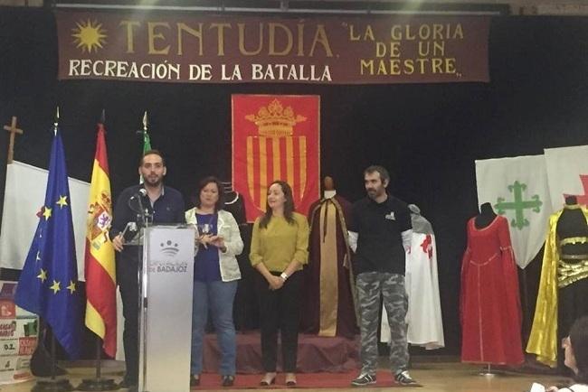 El piñón se convierte en el protagonista de Calera de León durante el puente de diciembre