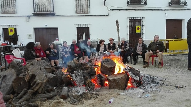 Éxito de la `VII Feria del Piñón´ de Calera de León