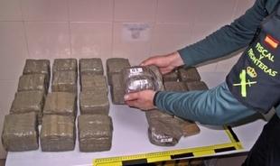 Detenidos en Fuente de Cantos dos vecinos de Salamanca con 20 kilos de hachís