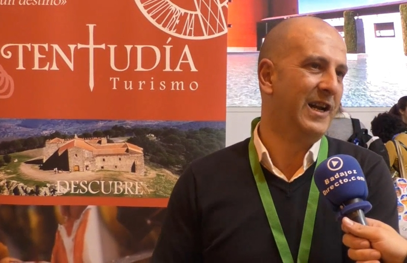 Entrevista a Paco Martínez, alcalde de Fuentes de León, en FITUR 2019