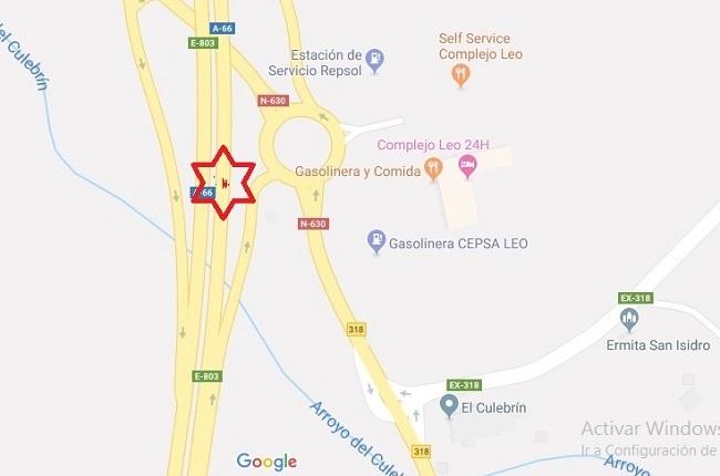 Tres personas heridas en Monesterio en la colisión de tres turismos