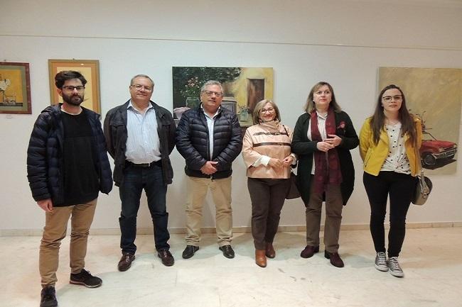 Los artistas de Monesterio exponen sus obras en la Casa de la Cultura