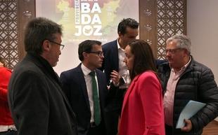 Ana Peláez Narváez, Carmen Fernández-Daza y Antonio Ventura son las Medallas de Oro concedidas por la Diputación en el II Día de la Provincia