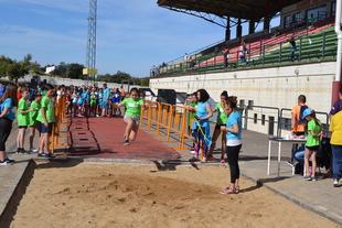 Escolares de Bodonal, Higuera, Fregenal y Cabeza la Vaca disfrutaron de la IV Convivencia Deportiva de Primaria en Jerez