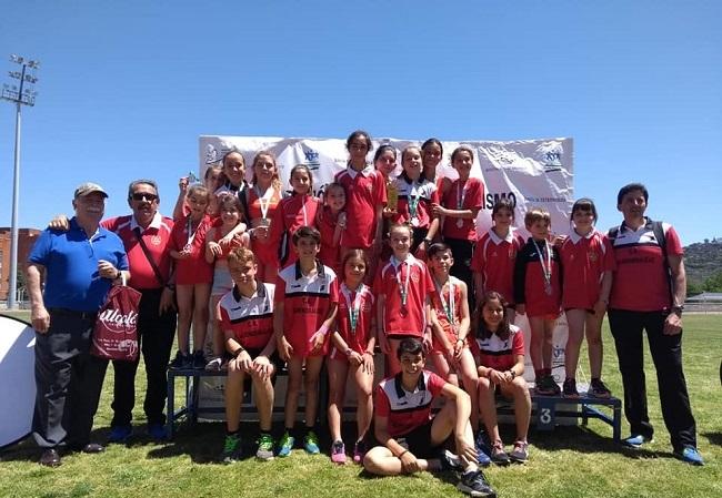 El Club de Atletismo de Monesterio consigue numerosas medallas en el Campeonato de Extremadura