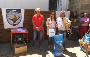 José Francisco Murillo y 'Bruja' se imponen en el Campeonato de Extremadura de Podencos de Fregenal en la Sierra