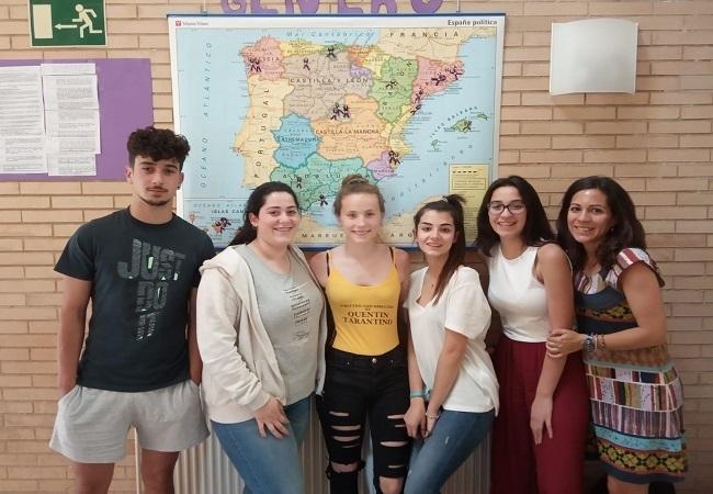 Alumnos y alumnas del I.E.S. `Alba Plata´ de Fuente de Cantos realizan un proyecto para fomentar la igualdad