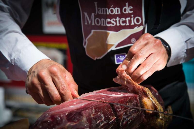 Convocado el XXI Concurso de Cortadores/as de Jamón de Monesterio para el 24 de agosto (bases)