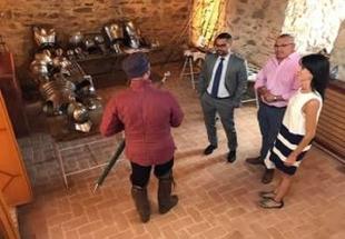 El diputado de Turismo, Manuel González, asiste a la inauguración de la Fiesta de la Zaragutía Mora en Alconchel
