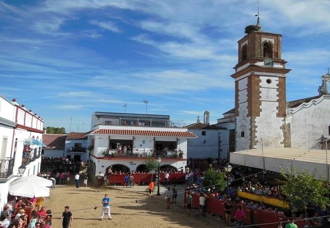 Mañana comienzan las Fiestas del Emigrante de Bodonal de la Sierra con Capeas el viernes y sábado
