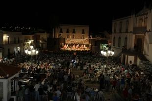 27 agrupaciones y 450 artistas participaron en la 38 edición del Festisierra durante sus 16 días de duración