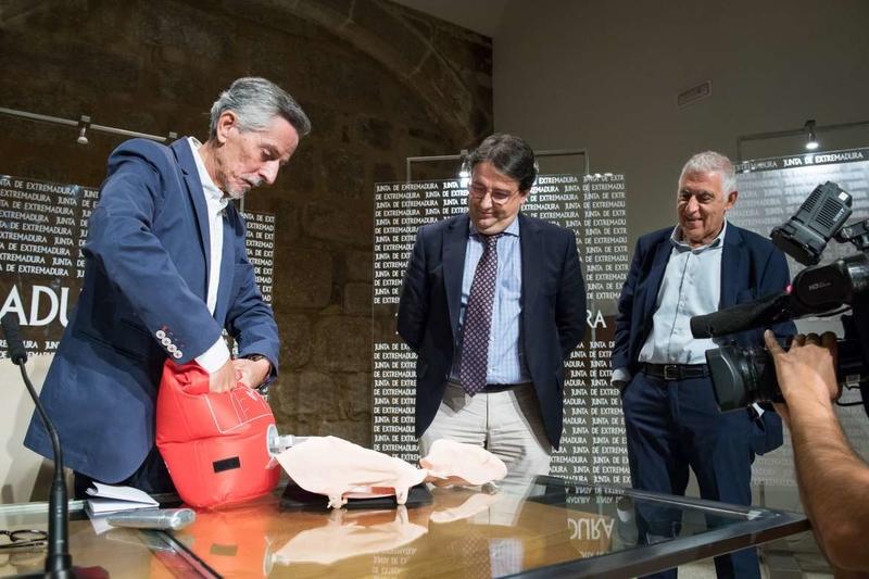 Alumnos del colegio San Francisco Javier de Fuente de Cantos se formarán en técnicas de reanimación cardiopulmonar