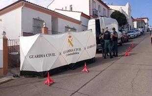 El detenido por la muerte de Manuela Chavero llega de nuevo hoy a su casa con la Guardia Civil tras pasar su primera noche en prisión