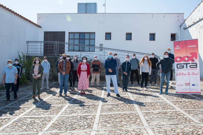Inaugurada en Cabeza la Vaca la acción formativa de `Gestión Forestal´