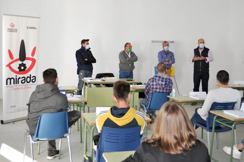 Inaugurado el curso de instalaciones solares fotovoltaicas en Bienvenida
