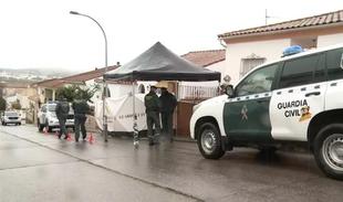La Guardia Civil ha regresado hoy a Monesterio a realizar un nuevo registro en la vivienda del detenido por el crimen de Manuela Chavero