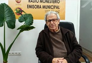 El segureño y párroco de Bodonal, Pedro Maya Romero, presenta un libro en el que colaboran 125 sacerdotes