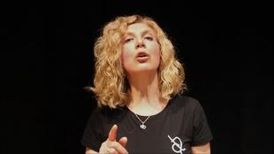 La asociación Arriba el Telón de Segura de León conmemorará el Día Mundial del Teatro con la obra digital `Monólogo interpretado por una muchedumbre´