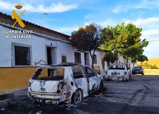 La Guardia Civil detiene al presunto autor material del incendio de dos vehículos en Fuente de Cantos