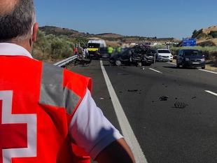 Cinco heridos leves en una colisión entre dos vehículos en la A-66 cerca de Monesterio